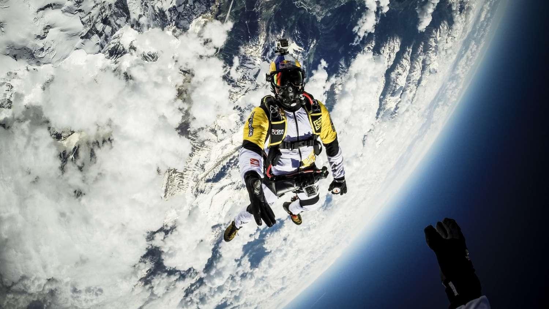 Les Soul Flyers sautent de 10 000 mètres au-dessus du Mont-Blanc