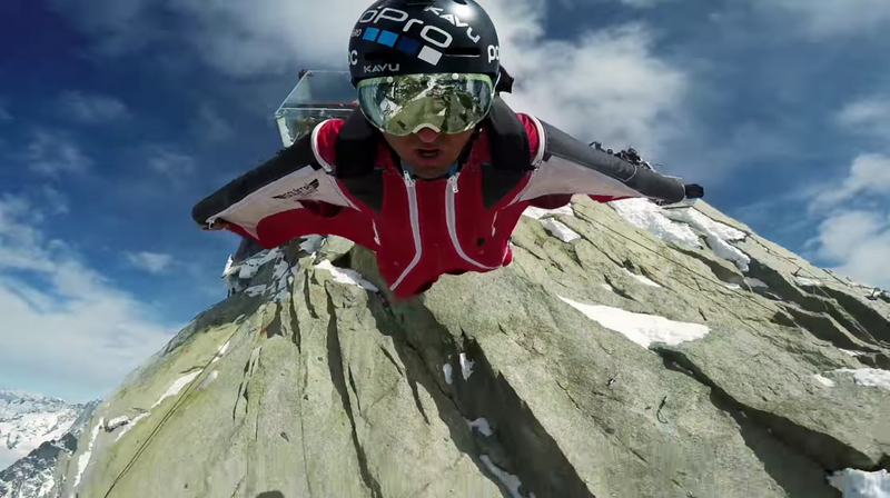 Marshall Miller vole en Wingsuit depuis l'Aiguille du Midi
