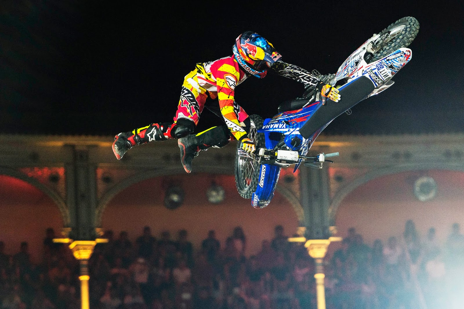 Red_Bull_X-Fighters_Pages