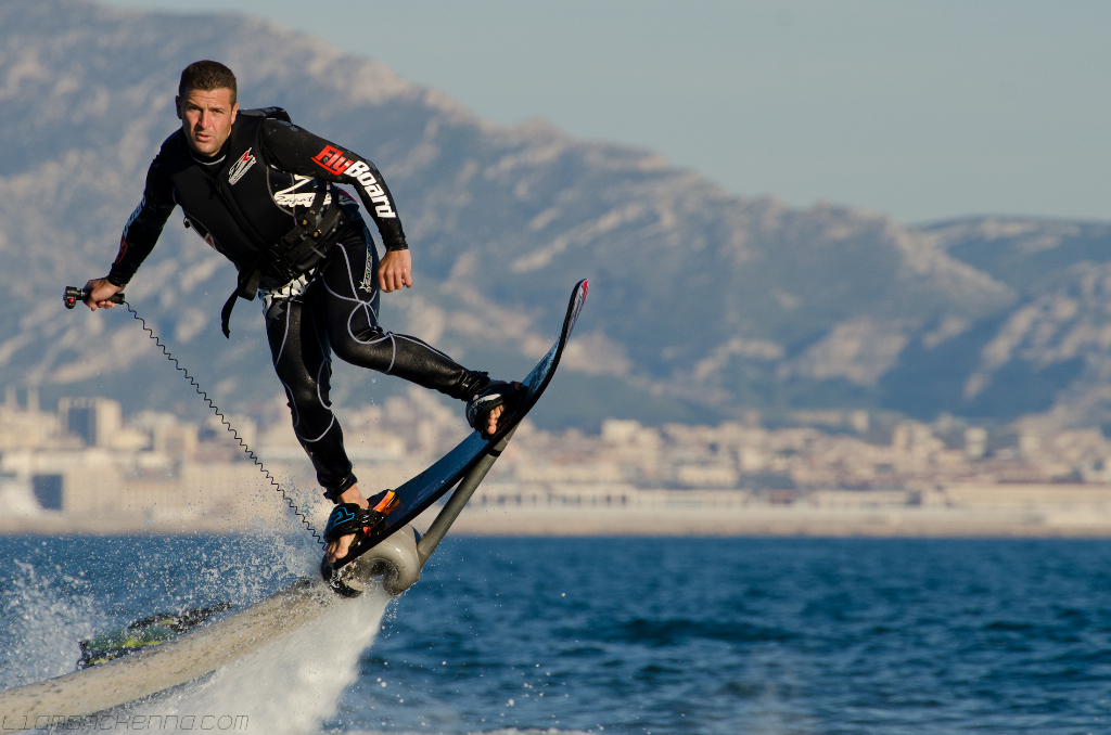 hoverboard-surf-franky-zapata-flyboard-1