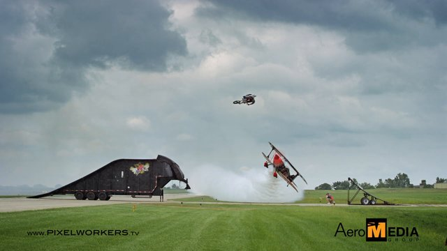 jump-cody-skip-fmx-plane-avion