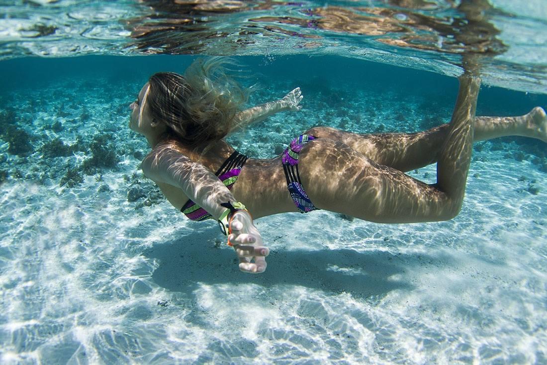 alana-blanchard-closet-bikini-string-thong-surf-hot-sexy-nude-2