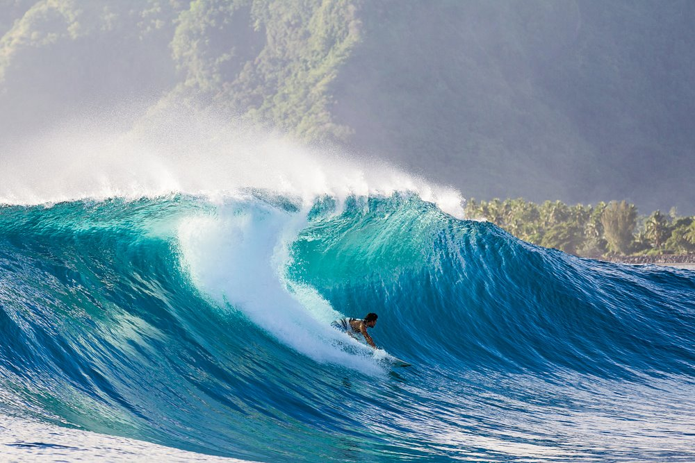 michel-bourez-teahupoo-nathan-hedge