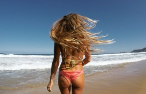 Alana Blanchard VS Anastasia Ashley