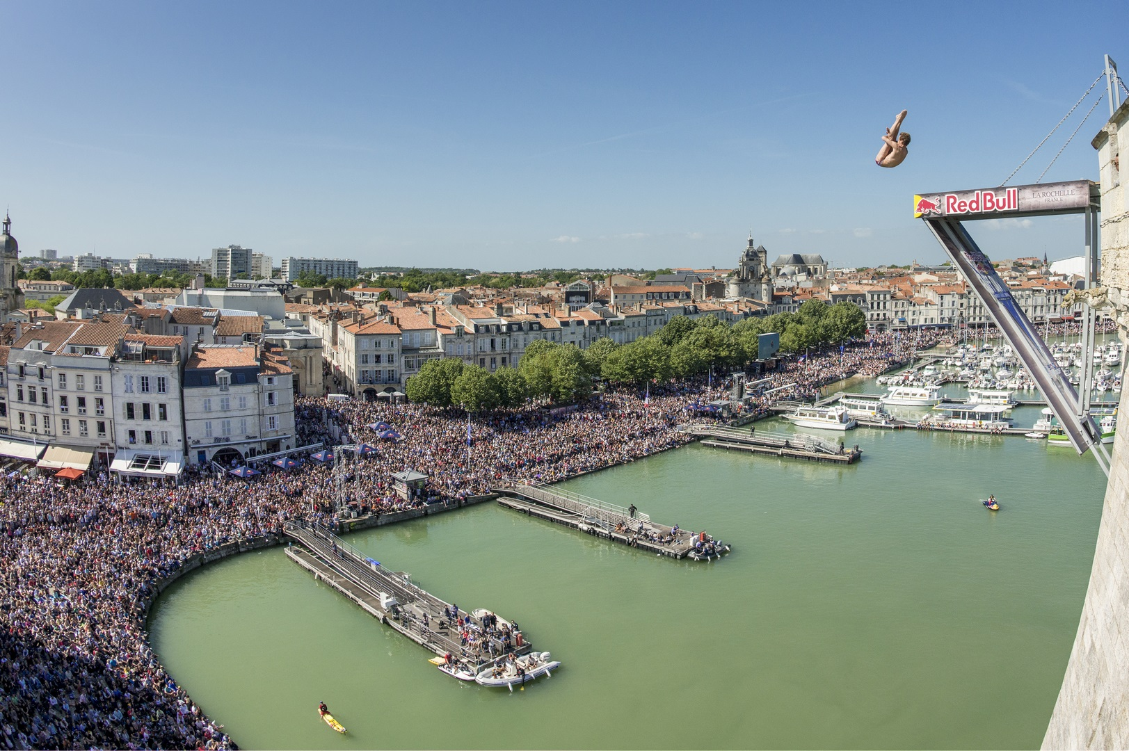 live du Red Bull Cliff Diving à La Rochelle sur Ride And Slide