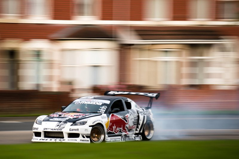 Mad Mike Drift prend un rond-point
