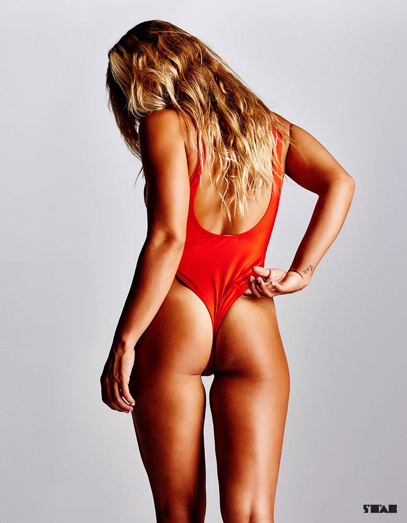 Sage Erickson en string dans STAB thong hot sexy nude