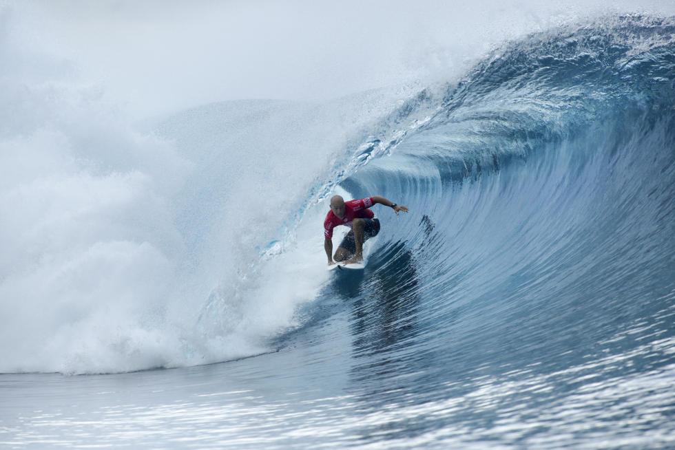Kelly Slater gagne le Billabong Pro Tahiti 2016 à Teahupoo