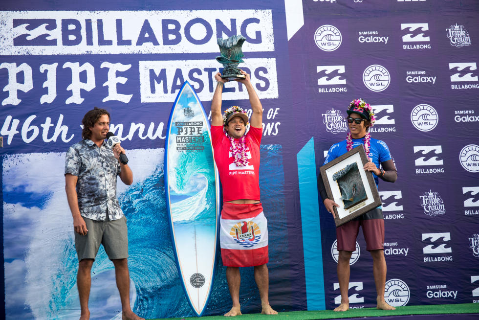 Michel Bourez remporte à Hawaï le Billabong Pipe Masters 2016