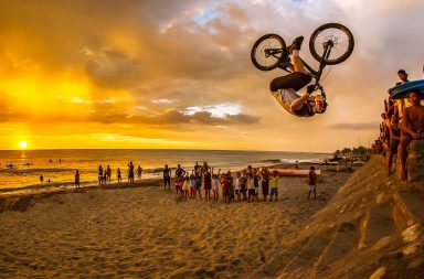 Danny MacAskill Drop and Roll aux Philippines