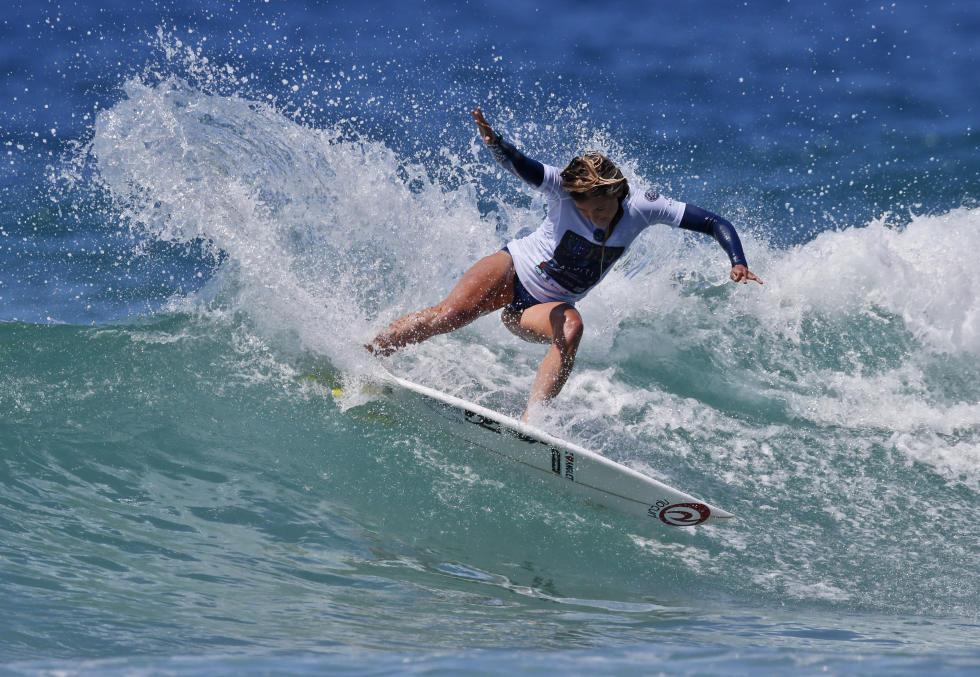 pauline ado surf newcaslte saison 2017
