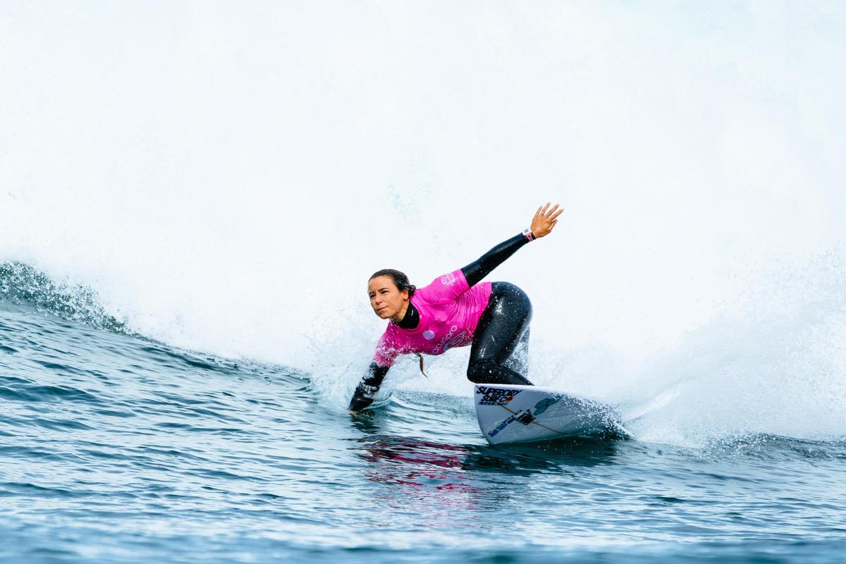 Johanne Defay Rip Curl Pro Bells Beach Surf Surfing vague Wave combinaison superdry