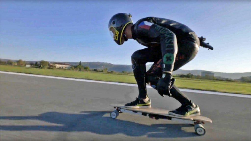 skateboard électrique vitesse performance sensation