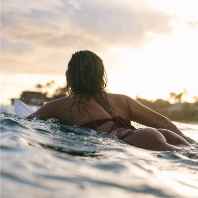 Alessa Quizon surf hot sexy bikini thong string nue nude
