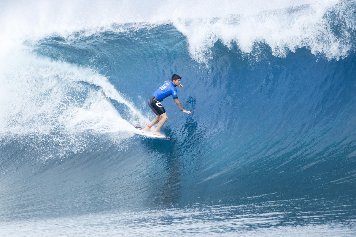 Billabong Pro Tahiti : Gabriel Medina surf Teahupoo grosse vague big wave