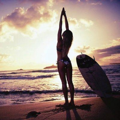 Erica Hosseini surf hot sexy bikini thong string nue nude