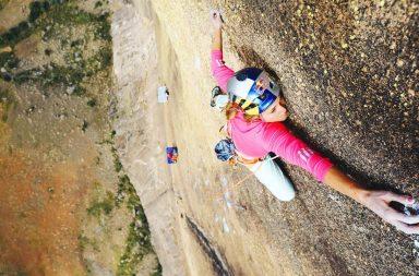 Sasha DiGiulian escalade Mora Mora à Madagascar