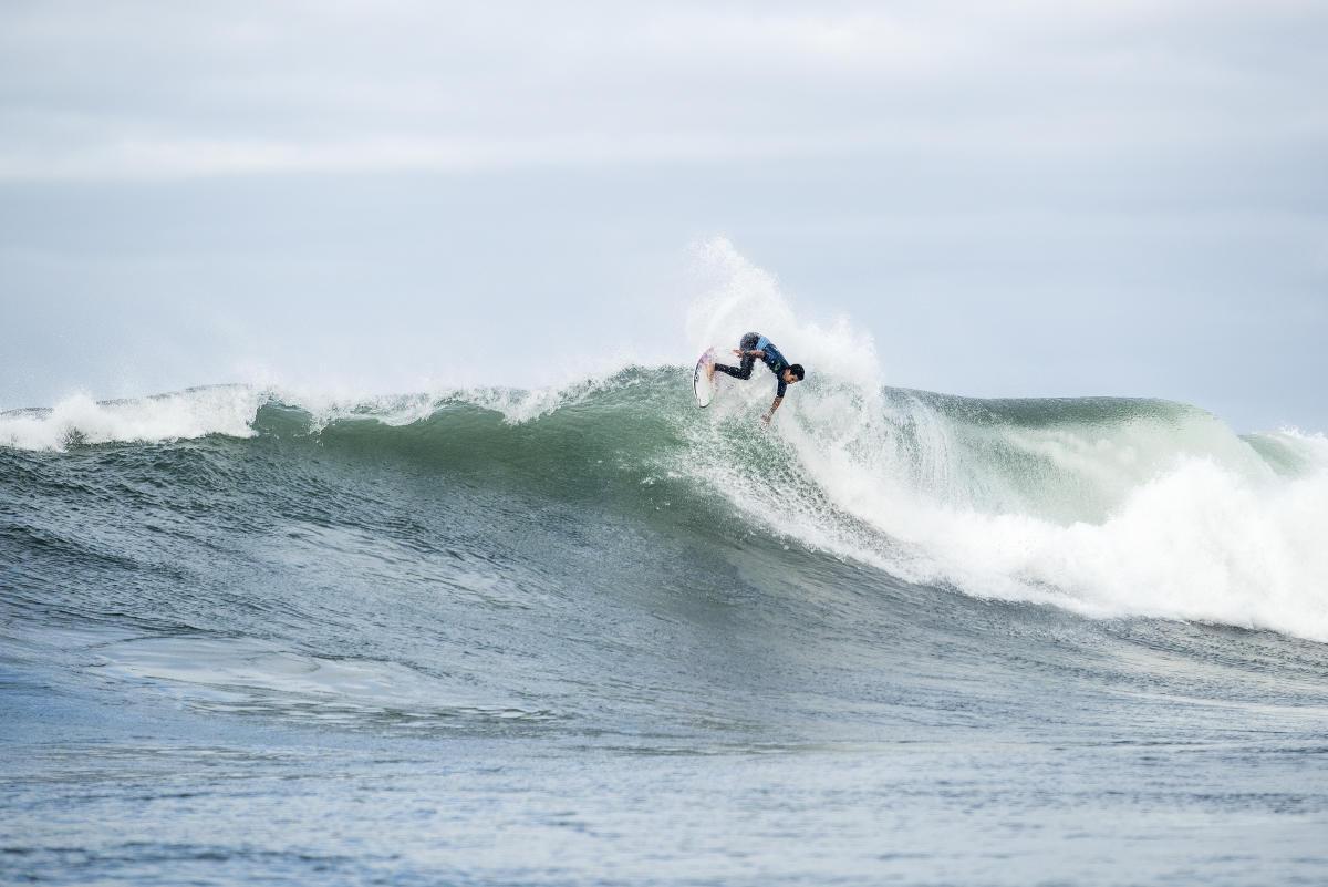 Mick Fanning surf finale rip curl pro bells beach australia italo ferreira