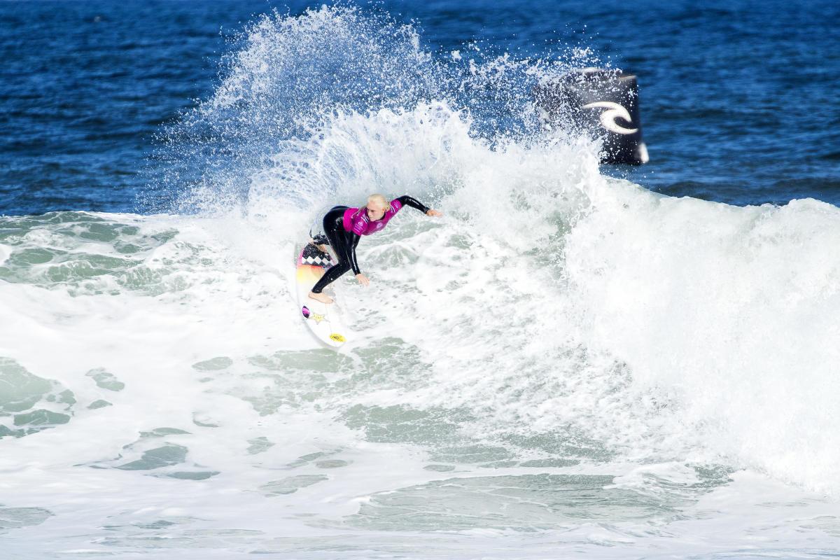 Mick Fanning surf finale rip curl pro bells beach australia italo ferreira tatiana weston-webb stephanie gilmore