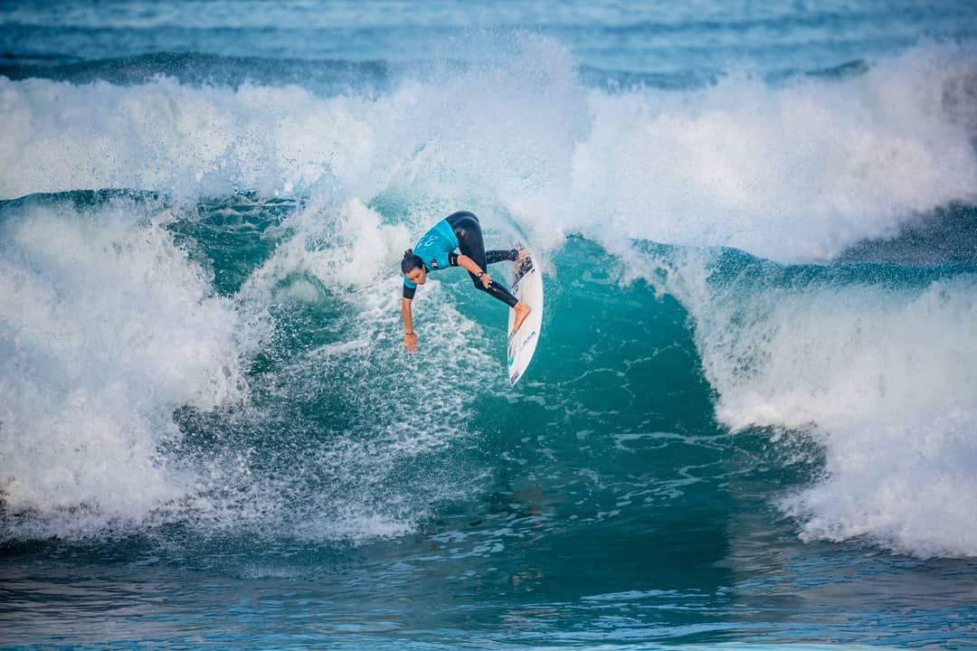 johanne defay surf roxy pro france 2018 hossegor culs nus
