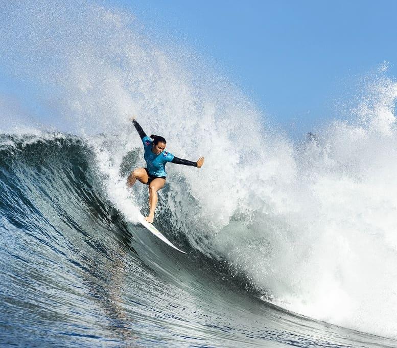 Johanne defay surfing maui pro