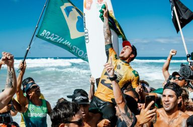Gabriel Medina champion du monde de surf 2018 WSL World Surf League
