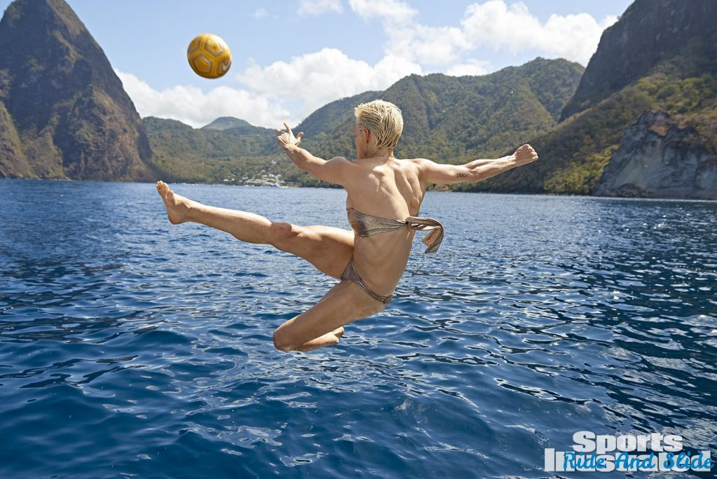 Megan Rapinoe sports illustrated swimsuit 2019 thong string bikini sexy ass nude nue