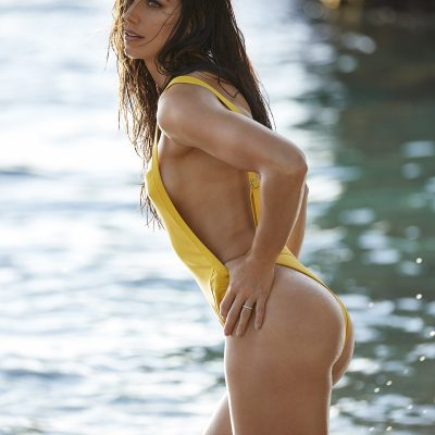 Alex Morgan sports illustrated swimsuit 2019 thong string bikini sexy ass nude nue