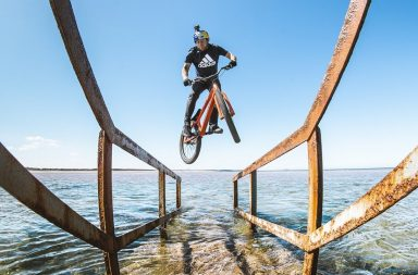 Danny MacAskill bike ride in Scotland roule en Ecosse