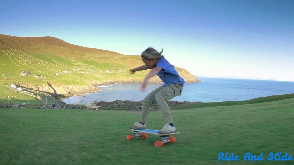 Joshua Karbus, un «enfant sauvage» irlandais âgé de 9 ans