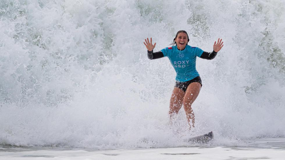 Johanne Defay Roxy pro france 2019 surf bikini