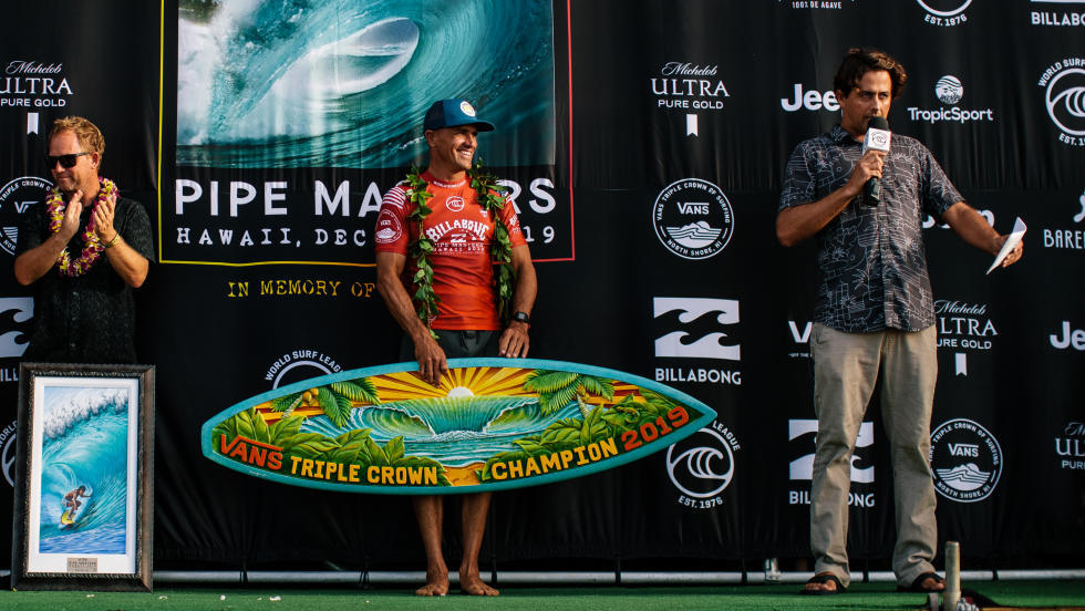 kelly slater vainqueur vans triple crown of surfing 2019
