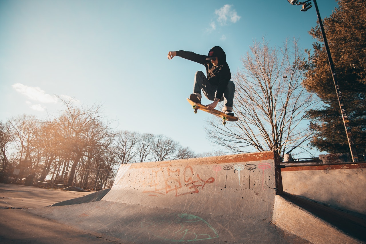 Pratique sportive et consultation médicale d'urgence skate skateboard