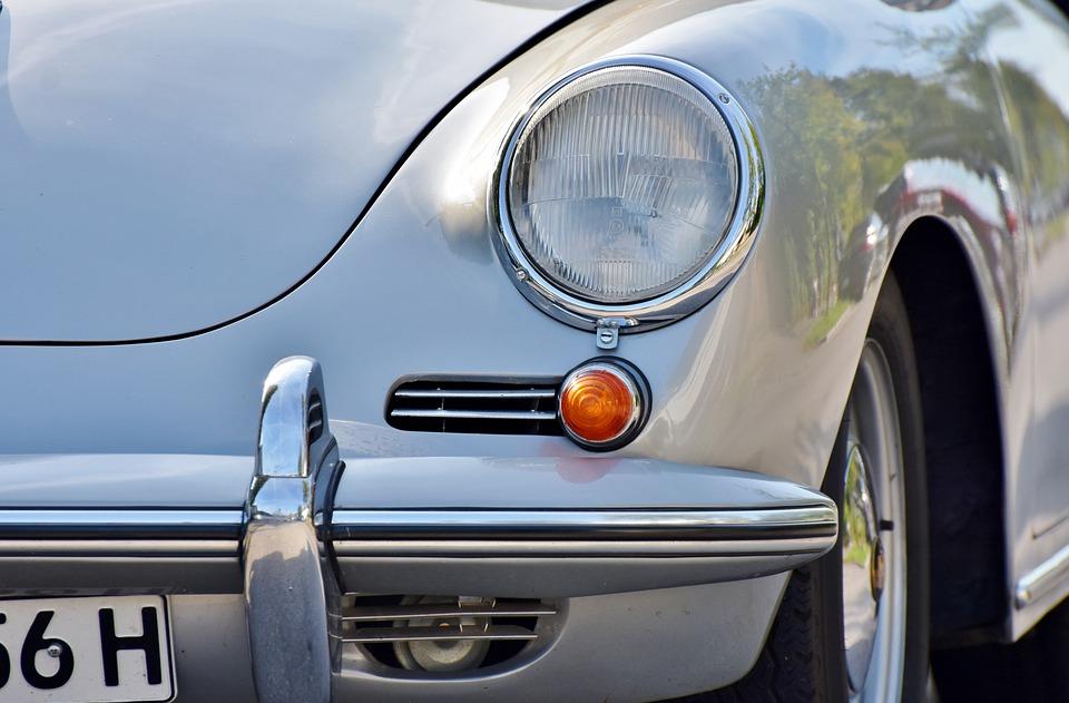 En savoirs plus sur la marque Porsches