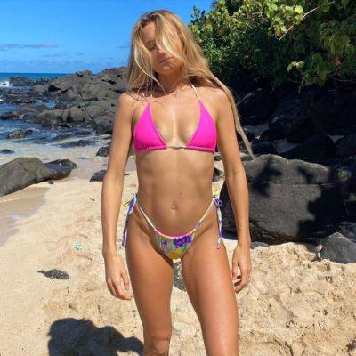 alana blanchard moana bikini string thong ass nude nue sexy topless