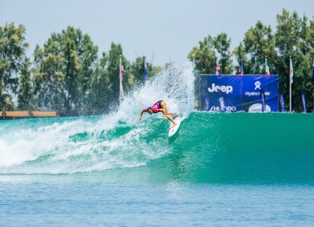 johanne defay remporte le surf ranch pro 2021 string