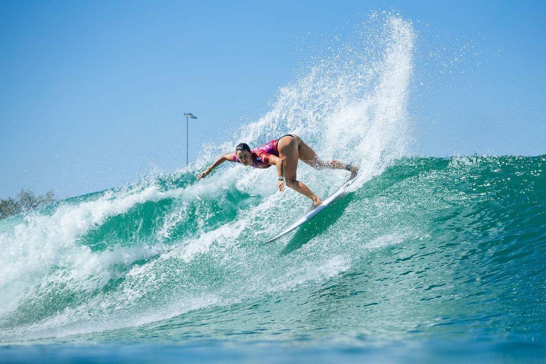 johanne defay remporte le surf ranch pro 2021 string thong bikini