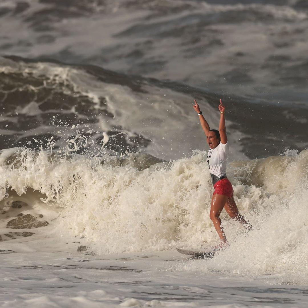 carissa moore championne olympique de surf tokyo 2020 médaille d'or